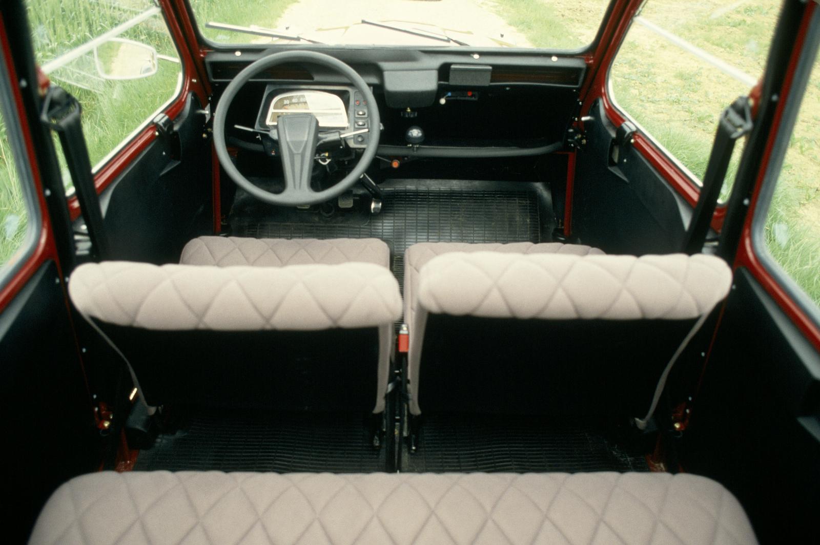 2CV Charleston 1982 intérieur