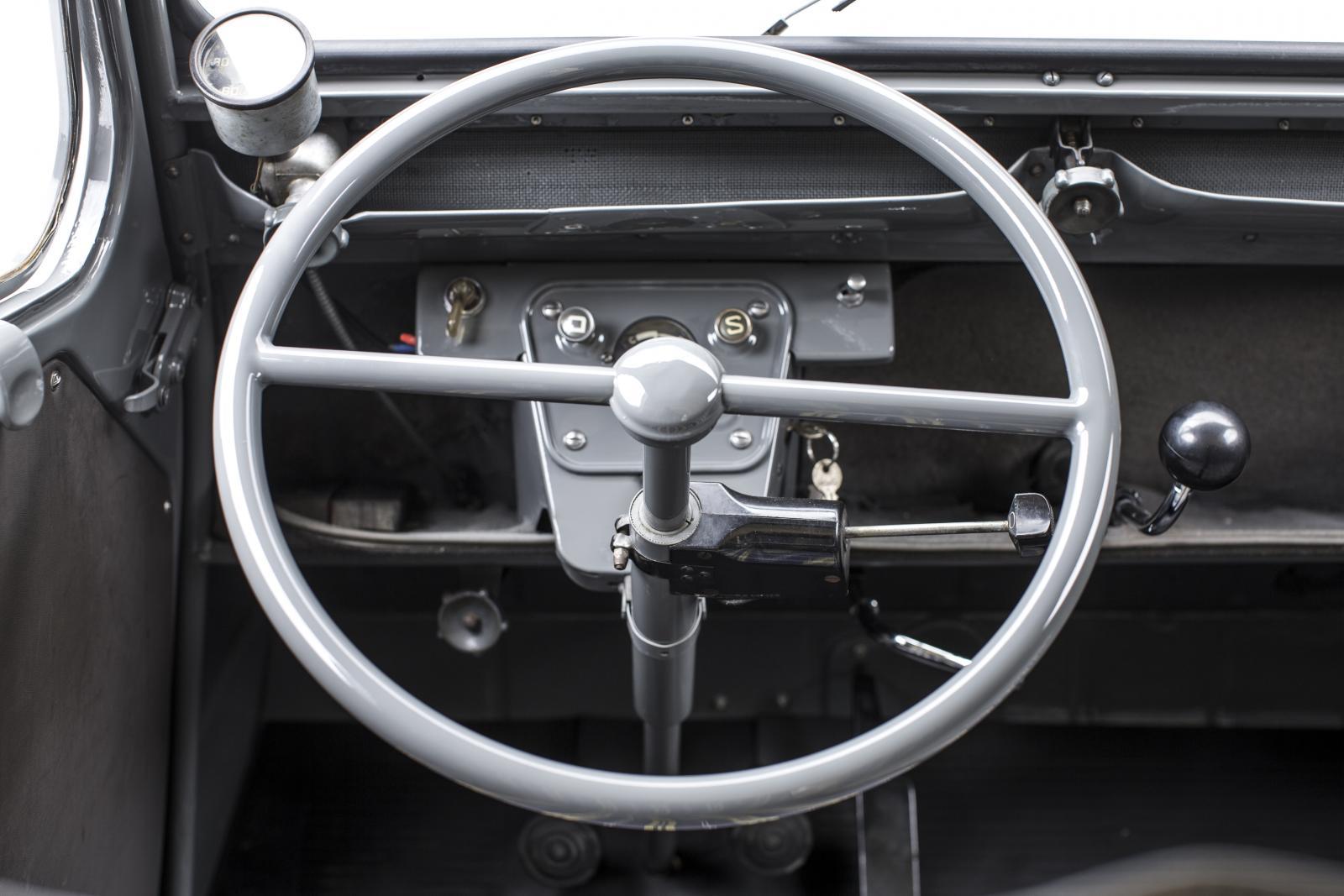 2CV Fourgonnette volant