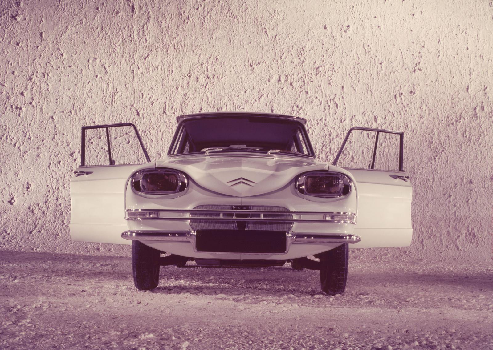 AMI 6 Berline pré-série 1961 face avant