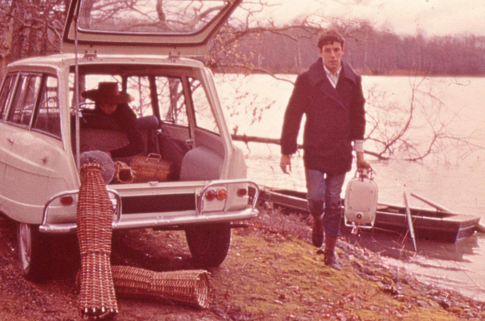 AMI 6 Break de 1964 à la pêche