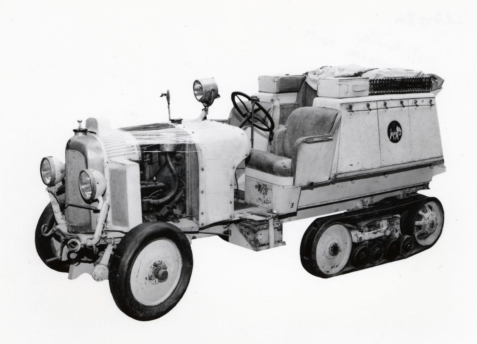 Autochenille B2 Kegresse / Prise de vue musée de Compiègne chenillette Croisière Noire