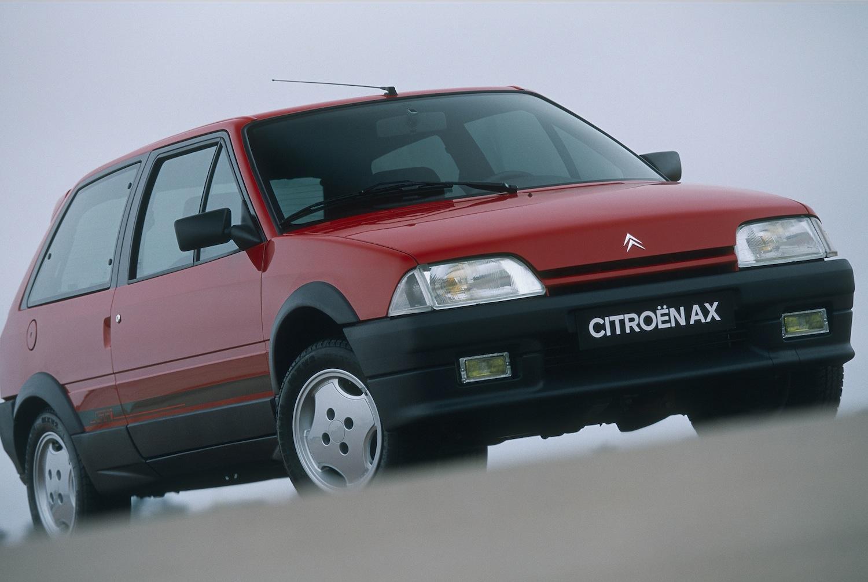 AX GTi 3 portes de 1991 3/4 avant Rouge Furio