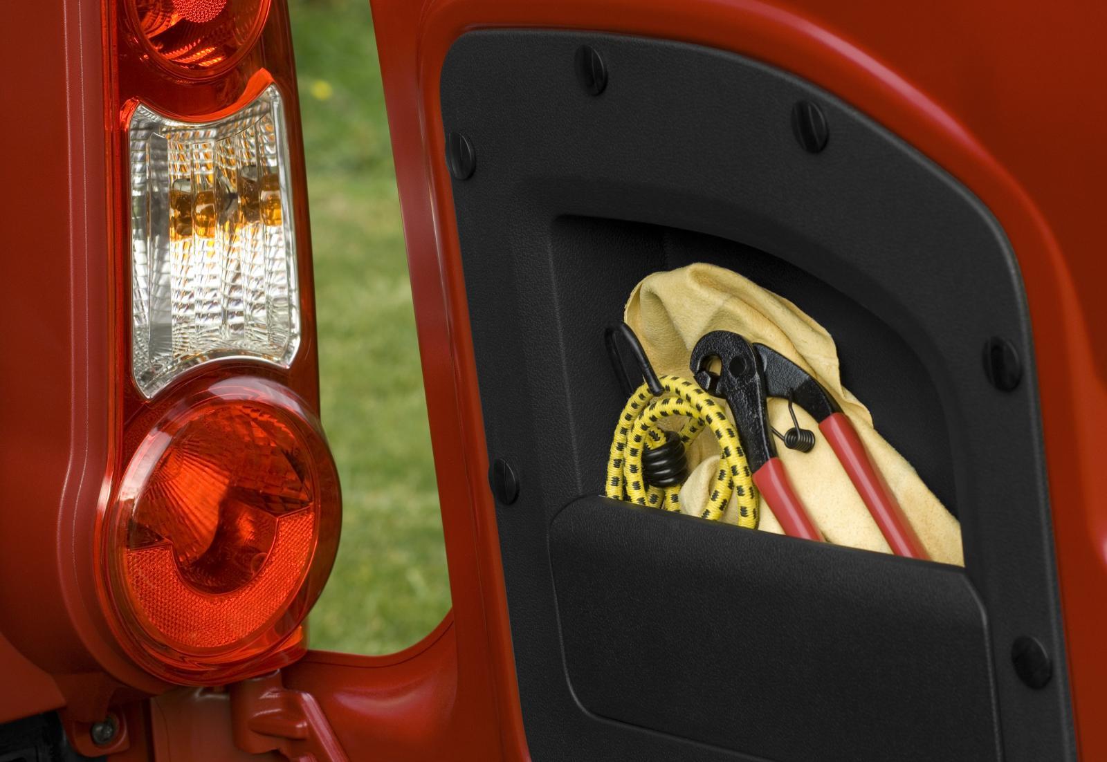 Berlingo 2008 rangement portière arrière