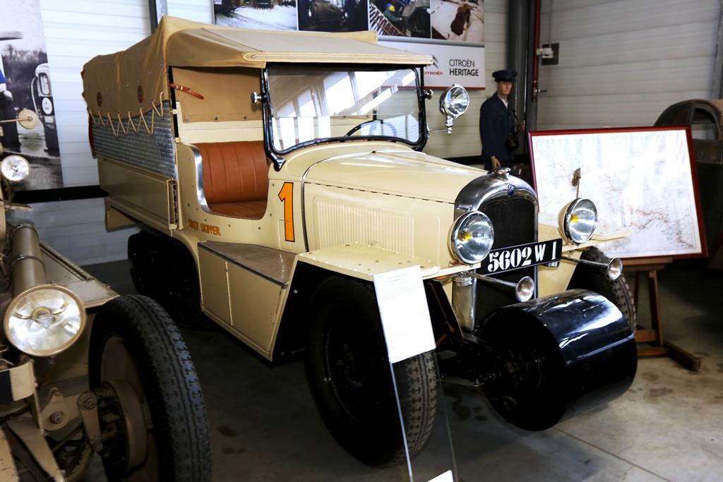 C4 Auto-Chenille Croisière Blanche 1934