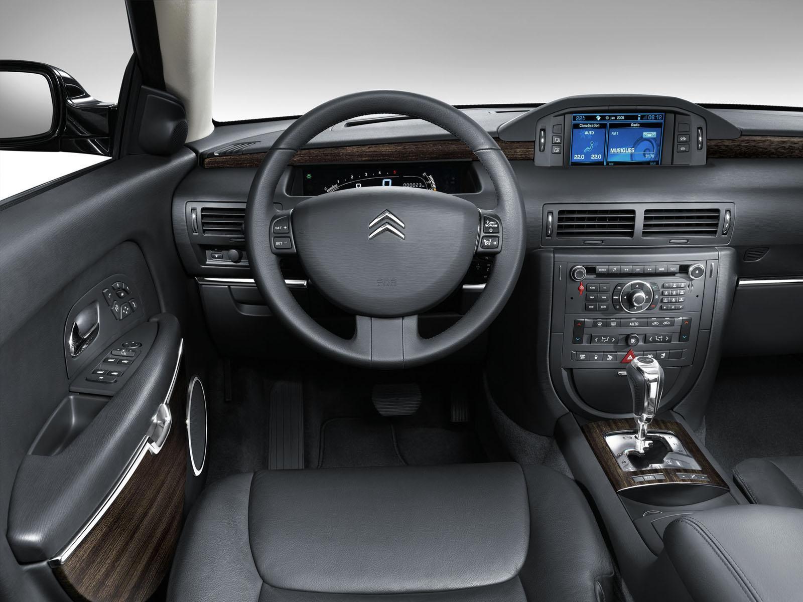 C6 V6 HDI exclusive 2005 poste de conduite