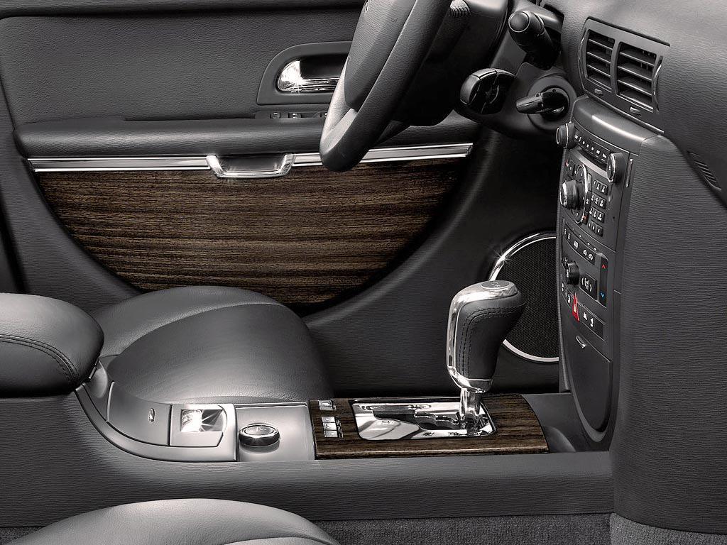C6 V6 HDI exclusive 2005 zoom bas de planche de bord