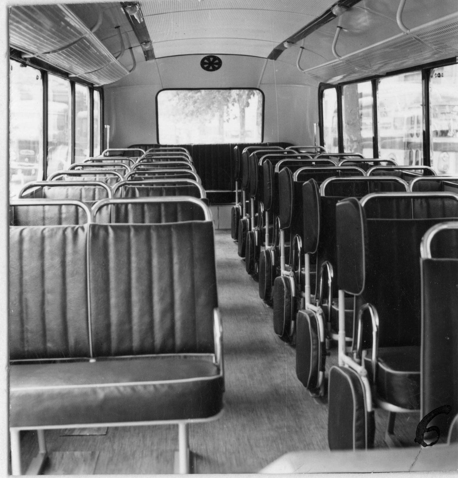 Autocarro U23 - Interior do transporte escolar