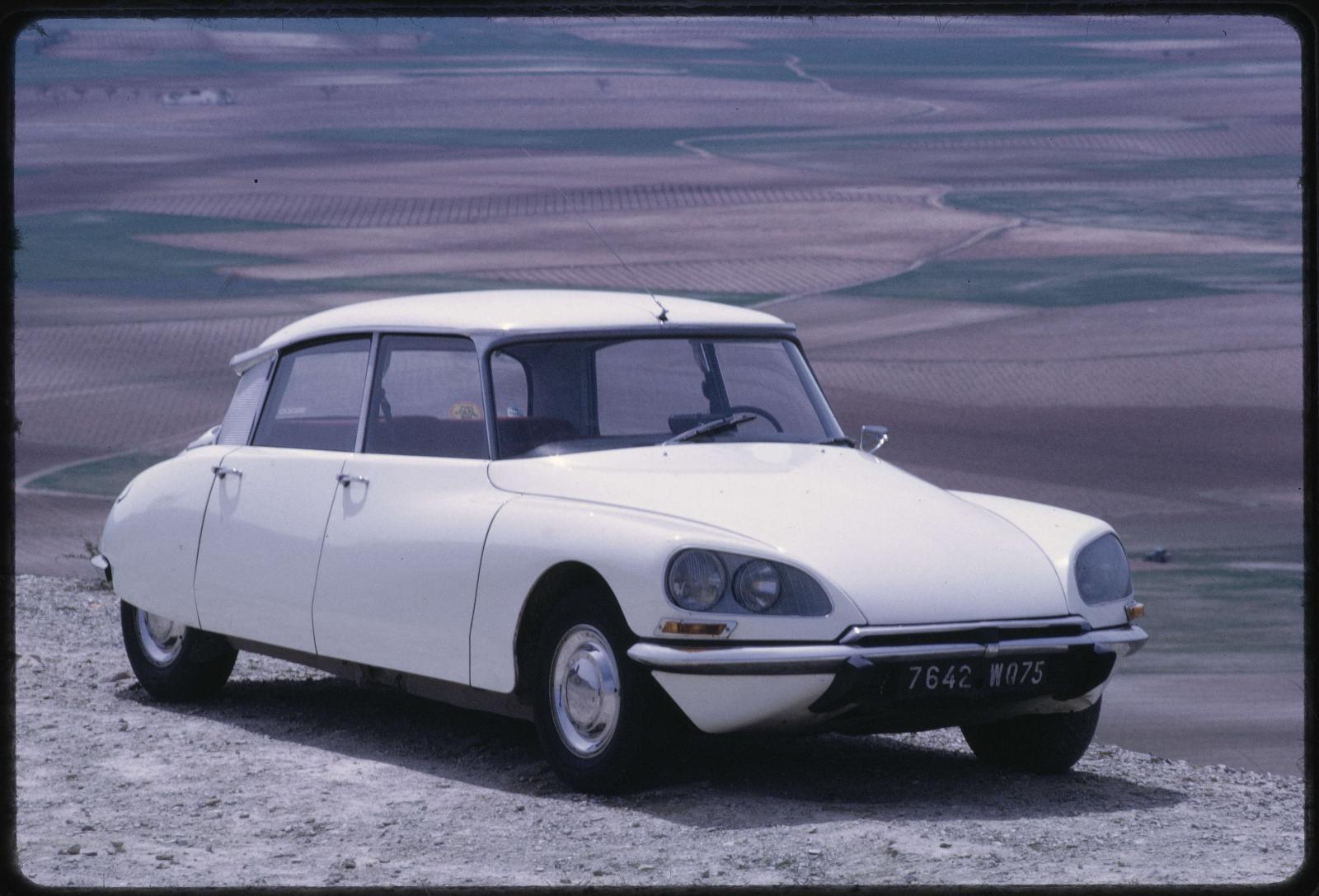 Citroën DS 21 Sedã - 1971