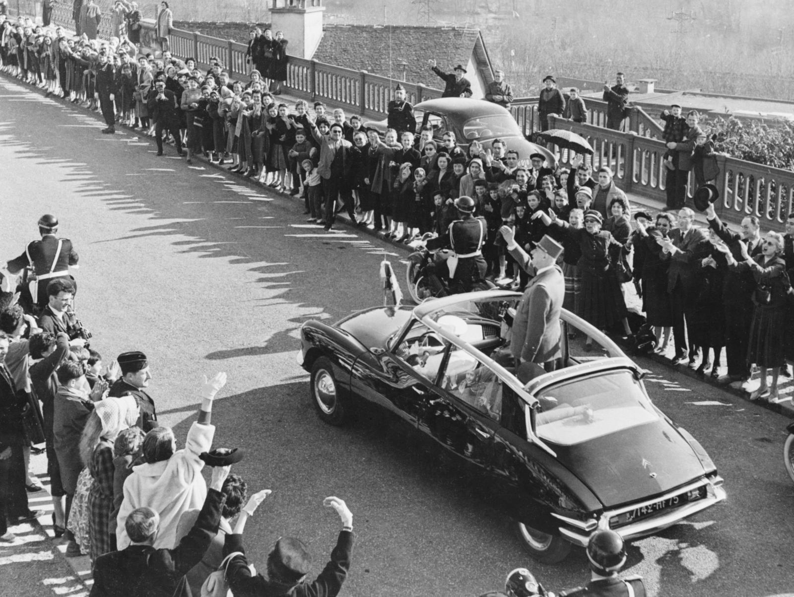 Cortège présidentiel - Général de Gaulle - DS