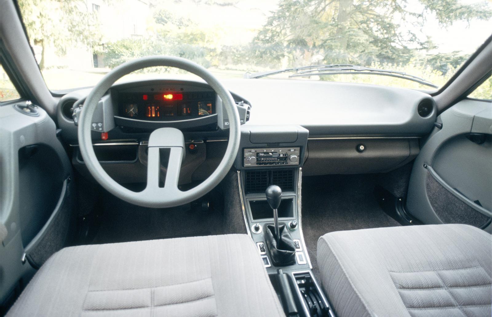 CX 1982 avant