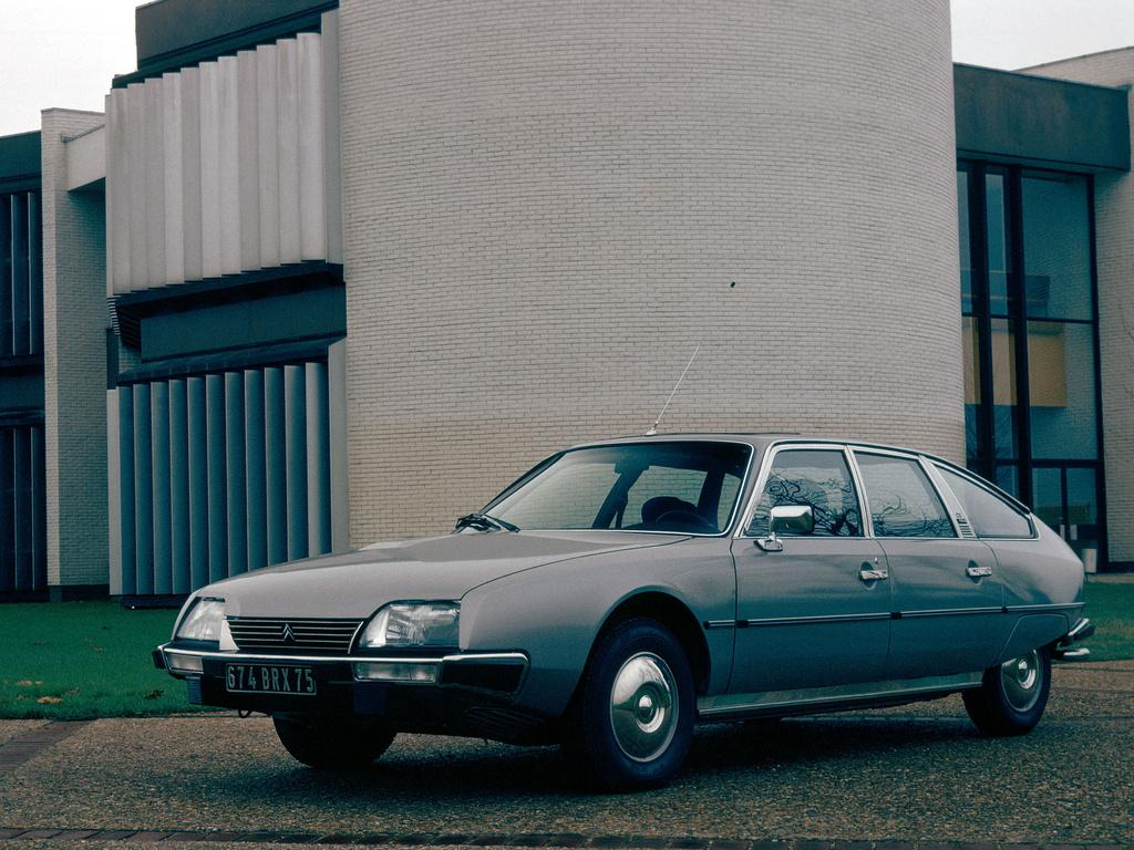 CX Pallas 2400 1978 3/4 avant