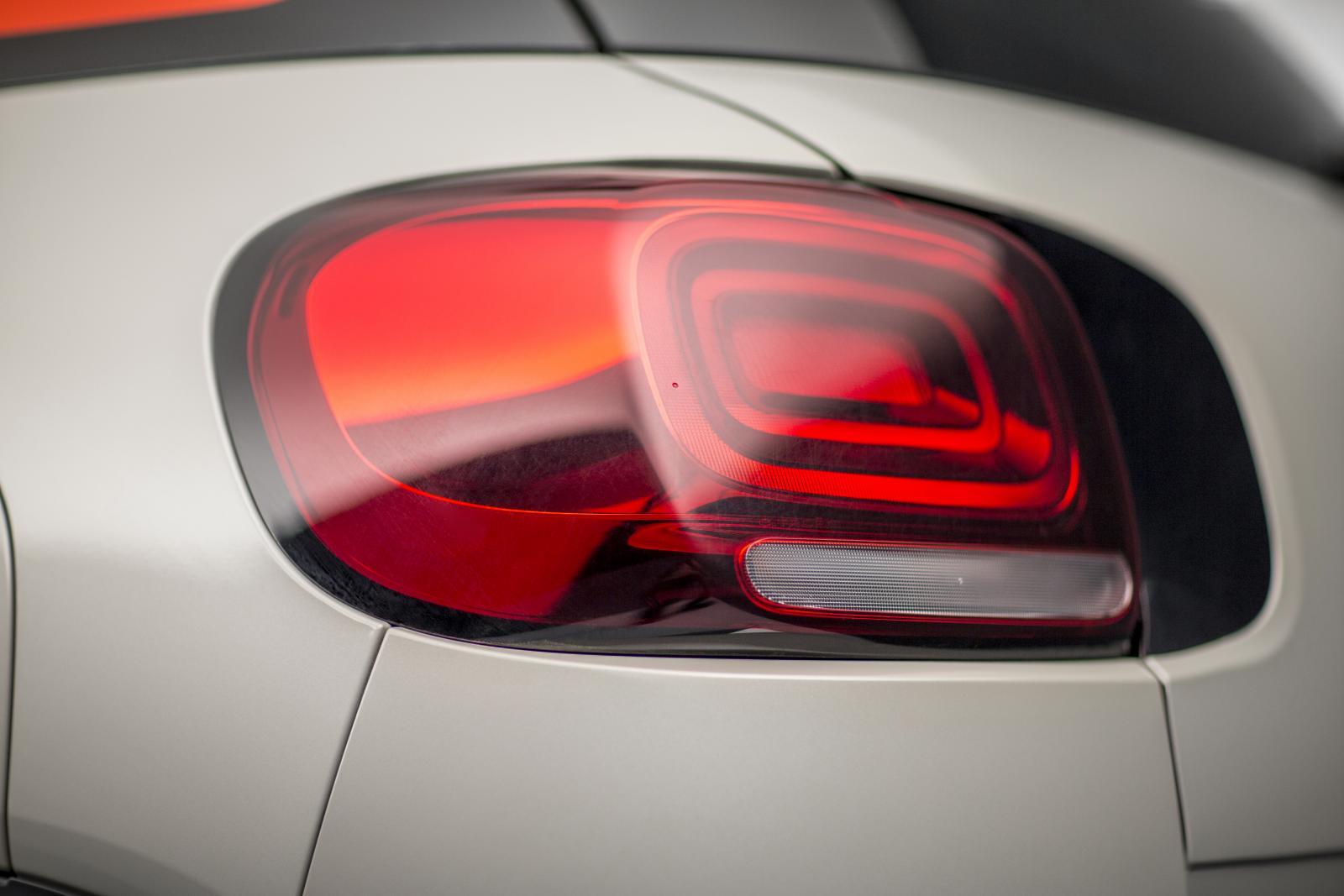 SUV Compact C3 Aircross - luz traseira