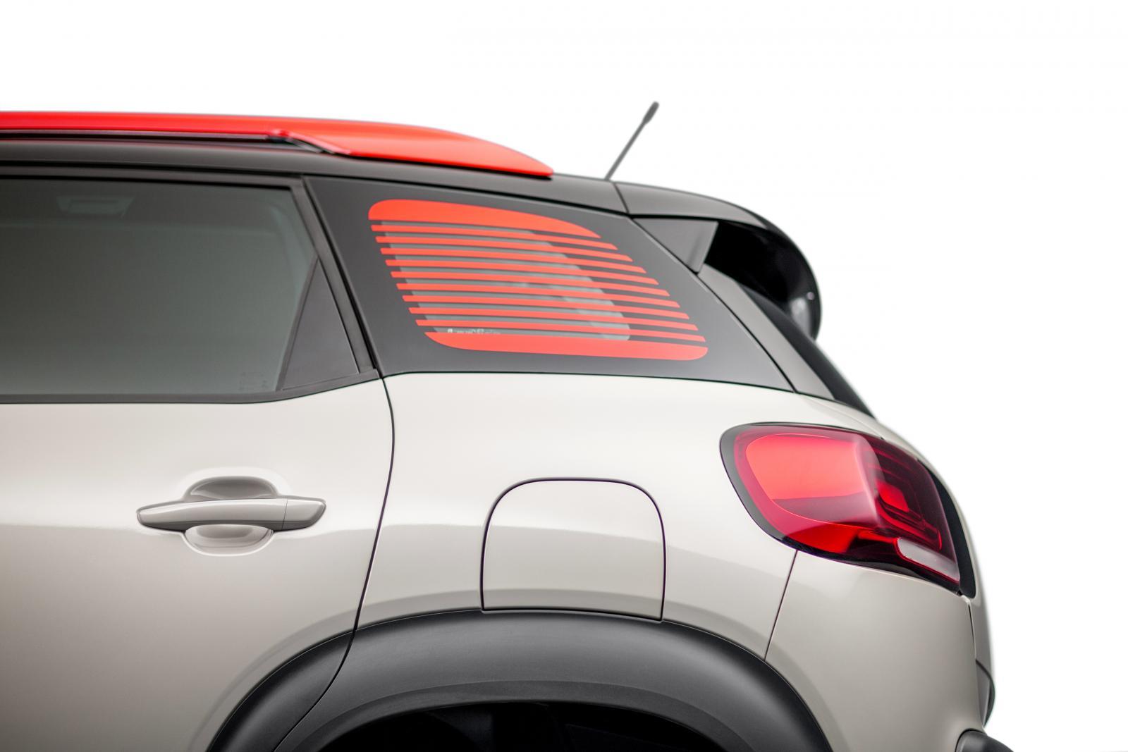 SUV Compact C3 Aircross - perfil traseiro