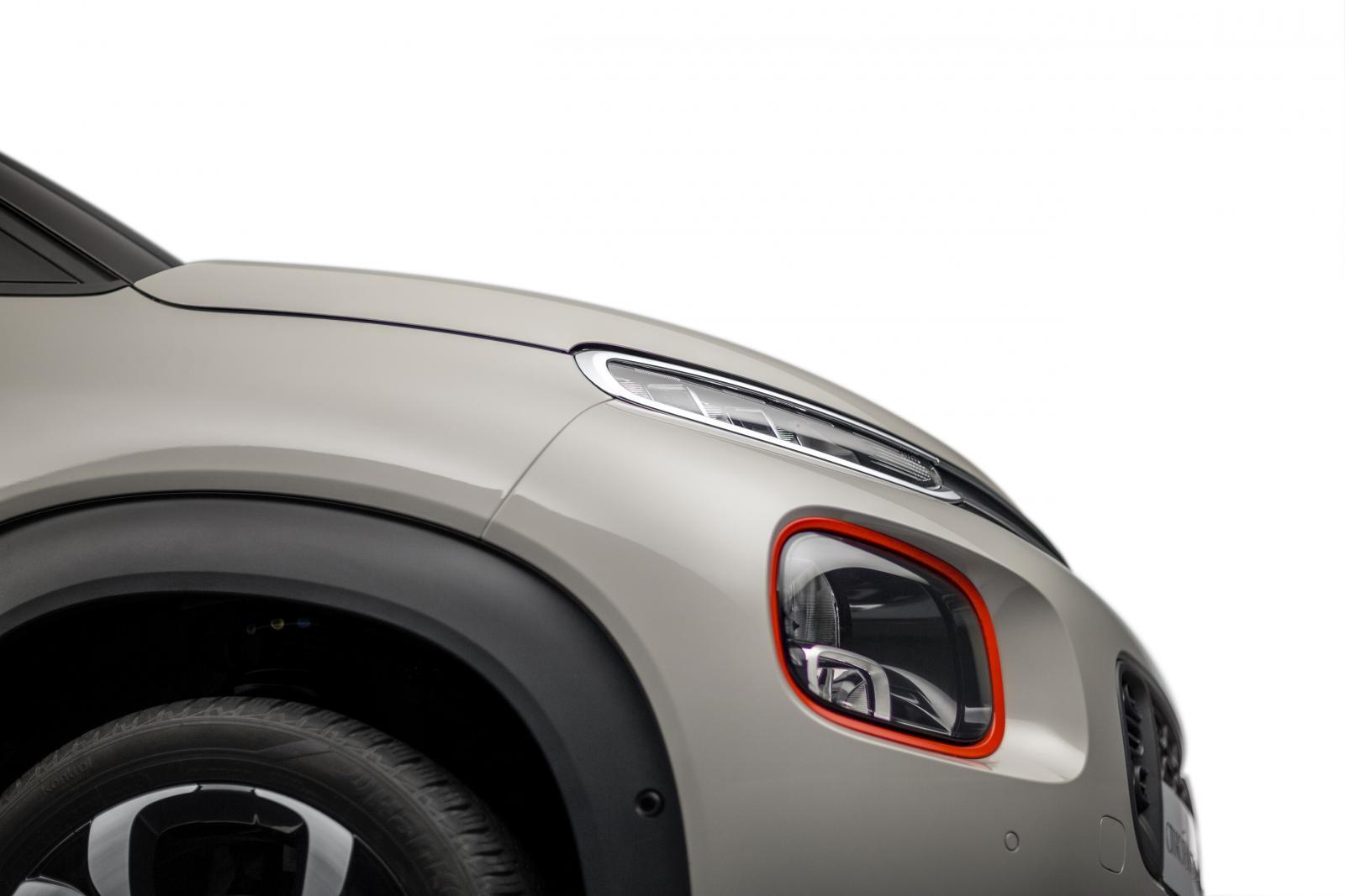 SUV Compact C3 Aircross - perfil dianteiro