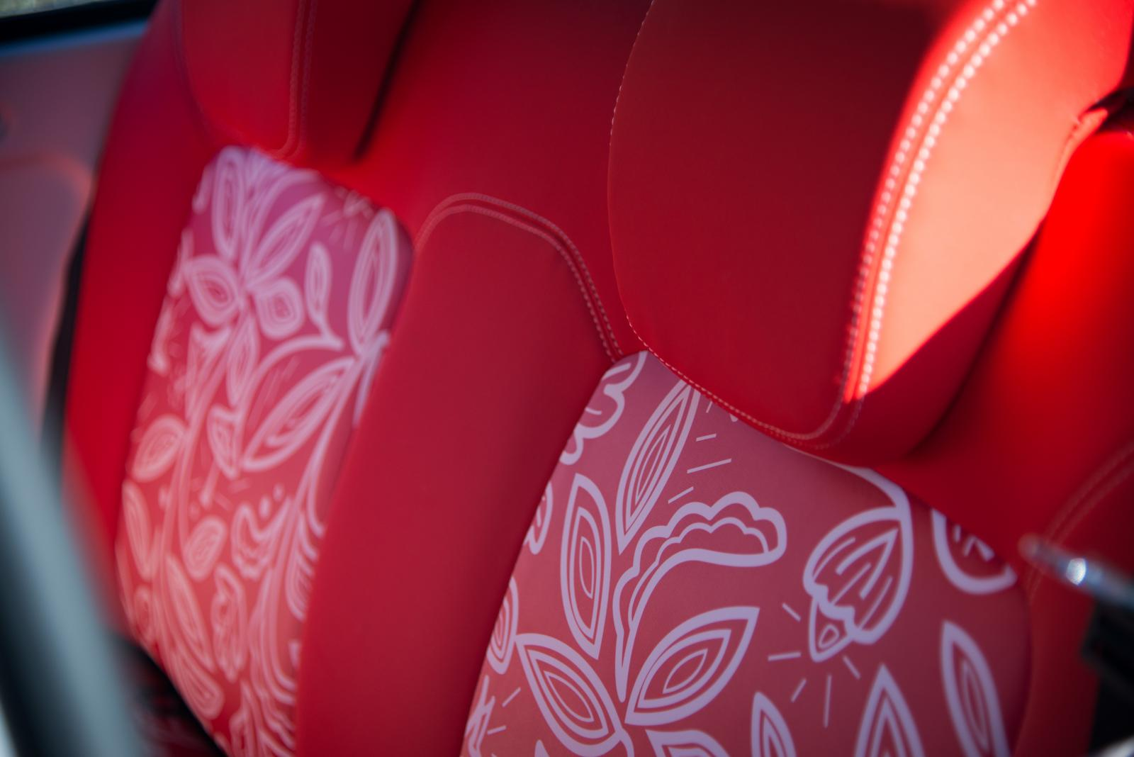 E-MEHARI 2016 sièges rouges