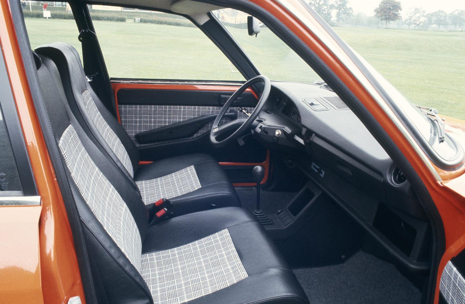 GS X 1978 intérieur avant