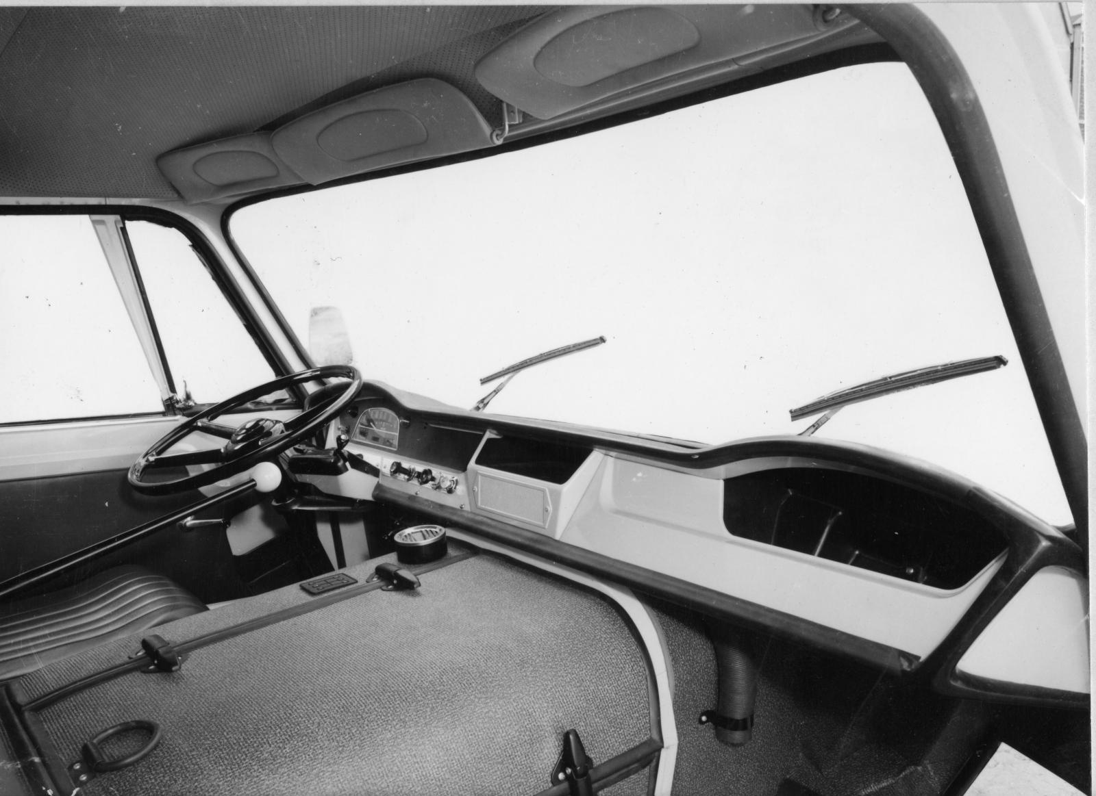 Interior do Type 350 - 1965