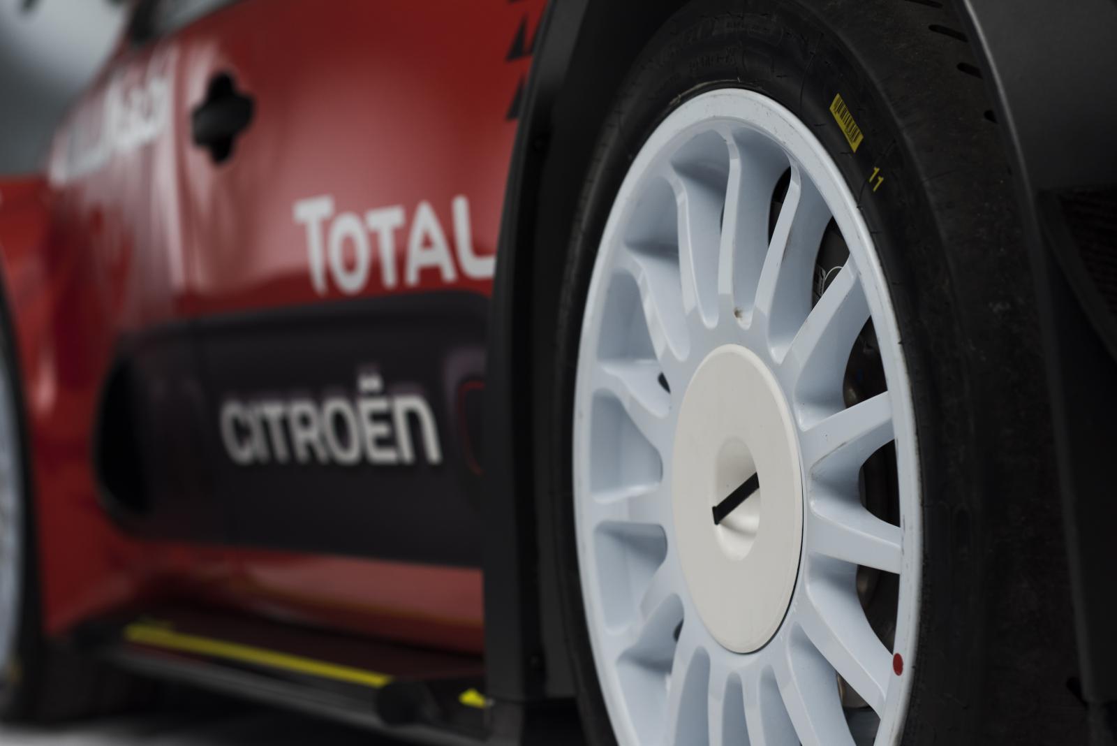C3 WRC - roda dianteira