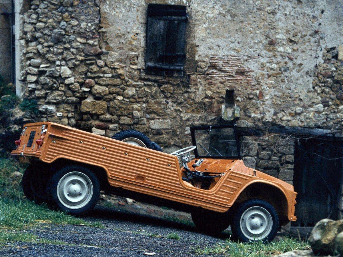 Mehari 1971 à la ferme