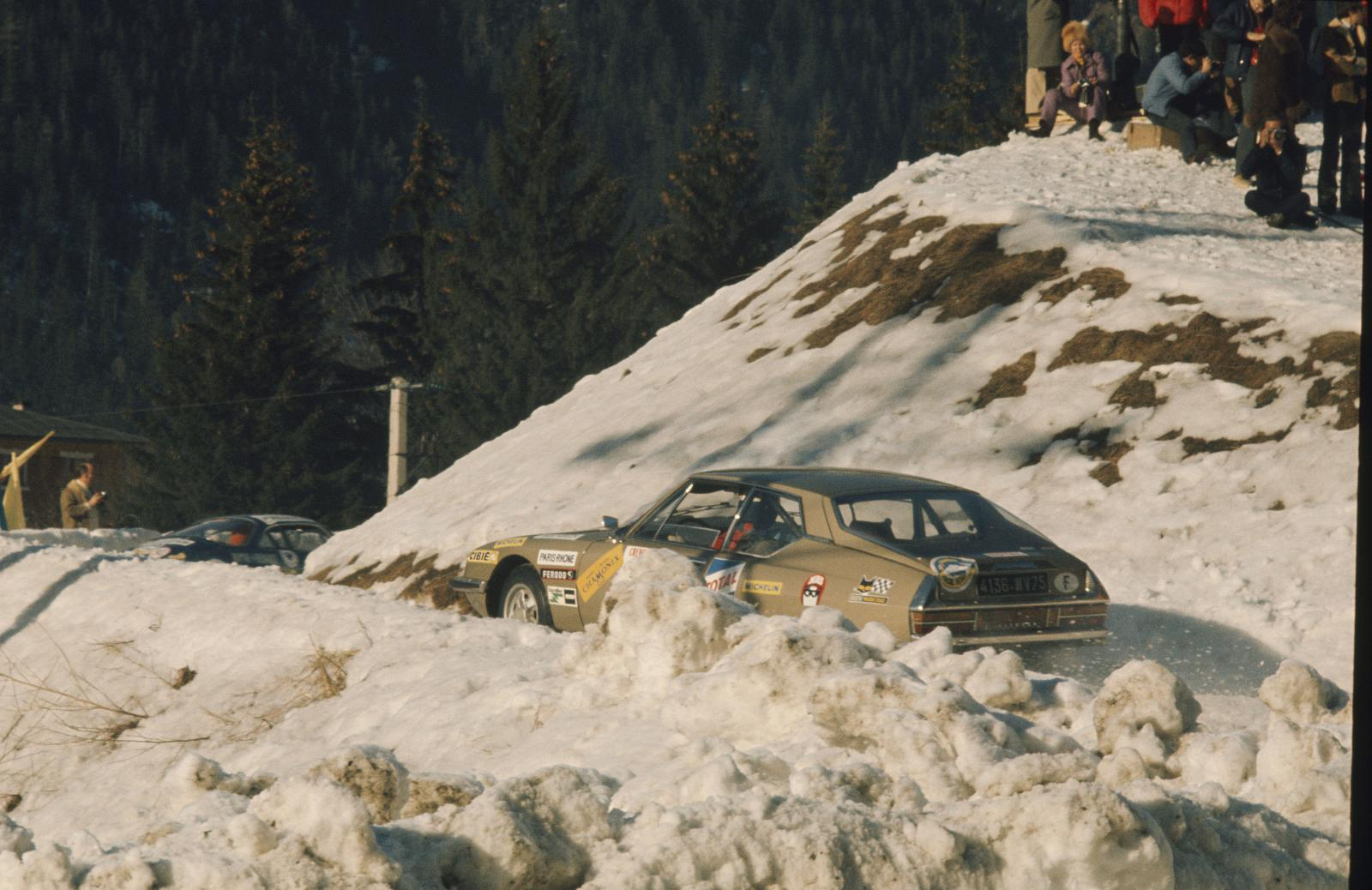 Ronda de inverno em Chamonix - SM - 1972 - vista traseira