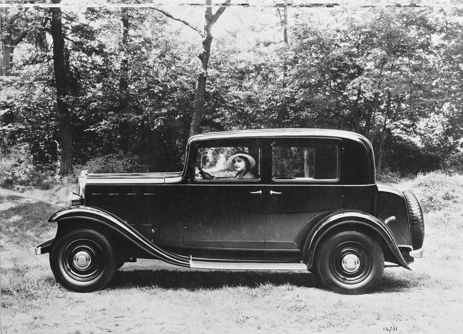 Rosalie 8 1932 profil