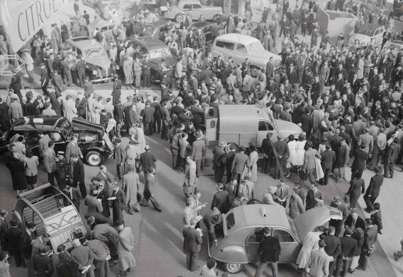 Salon de l'automobile octobre 1951