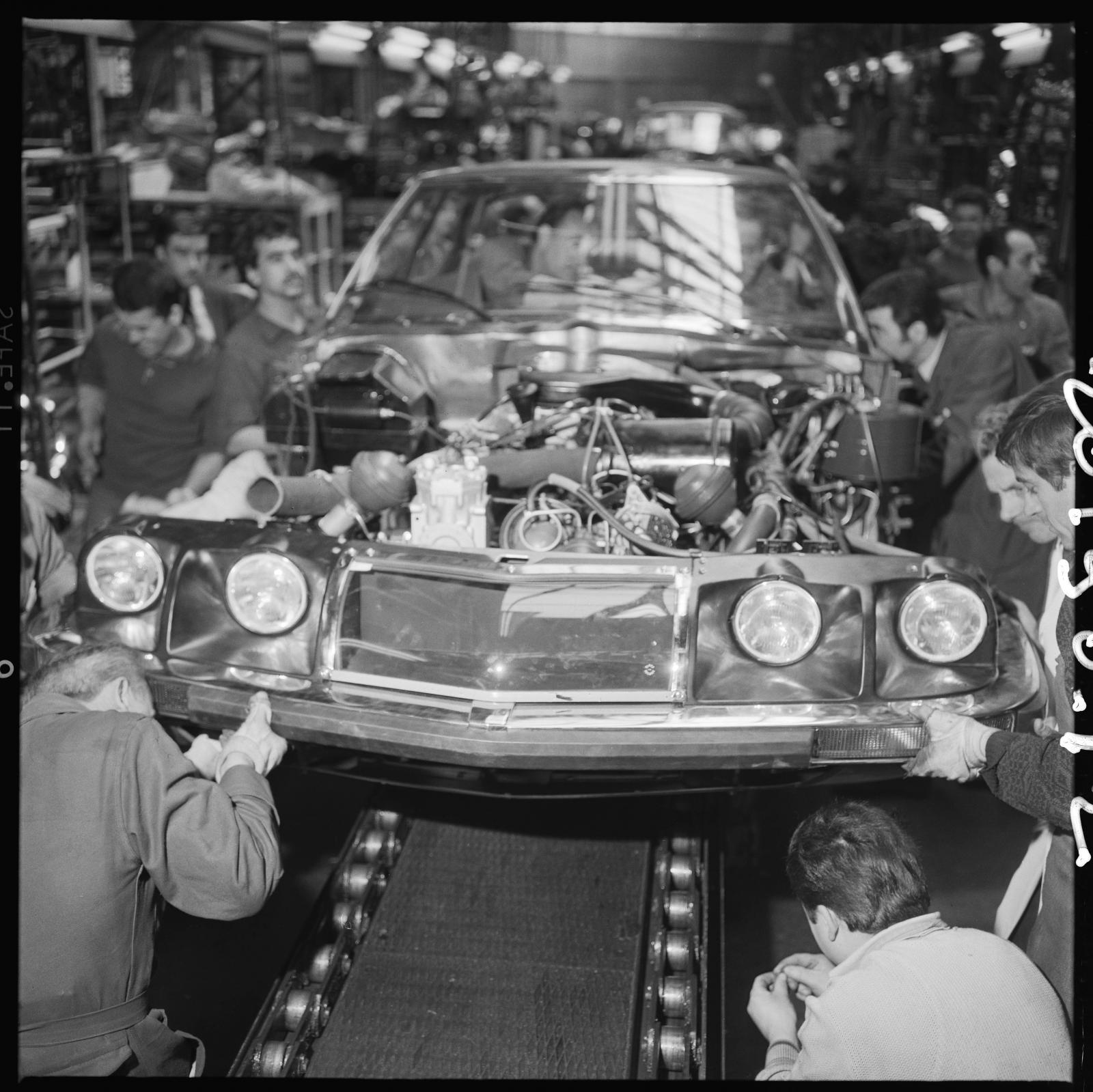 Sortie du 1er véhicule SM des usines de Javel
